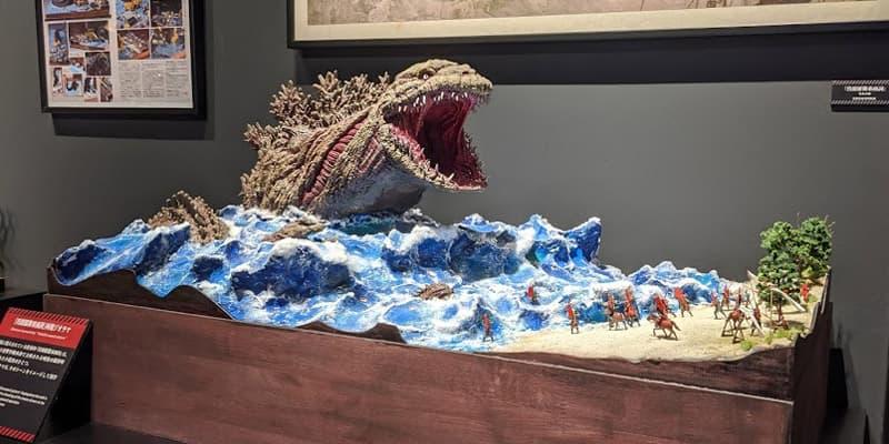 ジオラマ「明治時代に上陸したゴジラ」